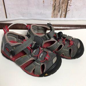 Keen size 9 sandals